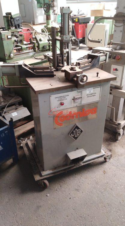 Ensambladora electro hidraulica automatica Codmisa.