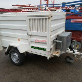 Remolque mixto para carga y transporte de animales. Medidas de la caja: largo 200x130x alto 115cm.