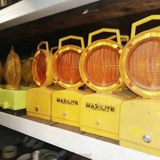 Focos de señalización baliza luminosa para obras en vía pública.